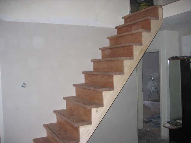Trap plaatsen kobes en zinger for Plaatsen trap